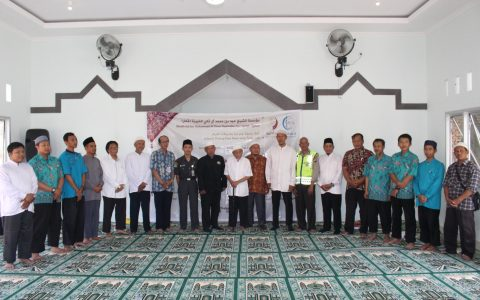 Direktur Yayasan Ash Shilah Meresmikan Masjid di Surakarta